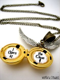 "Harry Potter ""I open at the close"" necklace"