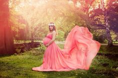 Maternity gown - chiffon gown - maternity photo shoot ideas - coral dress - maternity fashion - Marissa gown -Peggy engel photography - sew trendy accessories
