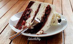 La torta foresta nera, specialità tedesca, nella versione di Luca Montersino. Ricca, multistrato, golosa, ideale per un compleanno o una cena importante.