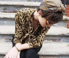 Head scarf :: leopard shirt