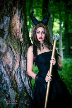 A gorgeous Maleficent cosplay. So elegant! - 10 More Maleficent Cosplays