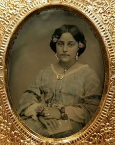 This has the appearance of an early daguerreotype with the probable intended soft image. Vintage Photographs, Vintage Photos, Antique Photos, Old Pictures, Old Photos, Gold Jewelry, Fine Jewelry, Jewelry Rings, Chain Jewelry