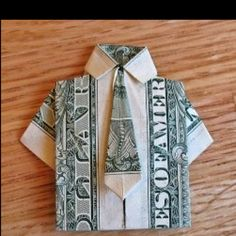 Origami shirt and tie for a note