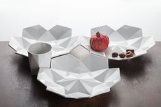Printing Brings Czech Cubism To Life In Gorgeous Geometric Dinnerware Set 3d Printing Business, 3d Printing Service, Porcelain Dinnerware, Dinnerware Sets, Cubist Movement, Art Web, 3d Prints, Business Design, Pottery