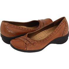 HUSH PUPPIES BURLESQUE in Tan Leather is a nice casual flat to wear with jeans..... $80