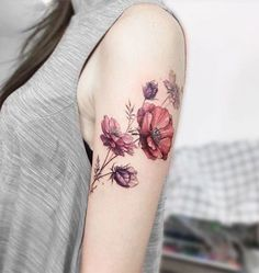 Tatto Ideas & Trends 2017 – DISCOVER Adorable tatouage femme fleur tatoo signification tulip Discovred by : ArchZine FR Vintage Floral Tattoos, Vintage Flower Tattoo, Flower Tattoo Arm, Tattoo Flowers, Tattoo Vintage, Vintage Flowers, Flower Sleeve, Floral Arm Tattoo, Realistic Flower Tattoo