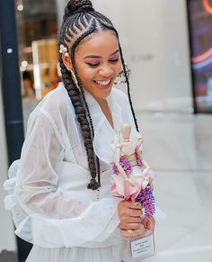 Please can we have a moment for the photographer 🤩 They say photographs are MADE not taken. Braided Cornrow Hairstyles, Dread Hairstyles, African Braids Hairstyles, My Hairstyle, Twist Hairstyles, Hairdos, New Black Hairstyles, Braided Hairstyles For Black Women, Braids For Black Hair