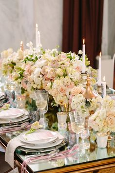 gorgeous flowers at this table!