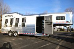 Looking for a new Custom Bloomer Trainer Trailer? Come to Triple C Trailer Sales to see this 2017 Bloomer 4 Horse Gooseneck w Side Tack Dress Area.