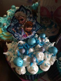Anna & Elsa frozen cupcakes