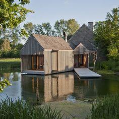Flemish Lake House -Wim Goes Architecture. Farmhouse Interior, Farmhouse Design, Contemporary Architecture, Architecture Design, Beautiful Architecture, Modern Barn, Future House, Luxury Homes, Beautiful Homes
