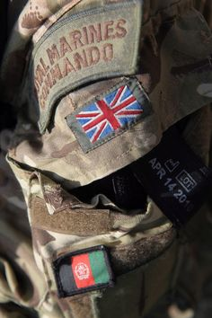 Great Britain's Royal Marine Commandos or, officially, The Corps of Her Majesty's Royal Marines British Royal Marines, British Armed Forces, British Army, British Royals, Military Units, Military Men, Military History, Military Flags, Marine Commandos