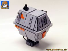 https://flic.kr/p/ZkRpRv | POWER DROID LARGE | Some people will say it's the ugliest SW droid, but I can not help but love it. Its square shape makes it look so solid and reliable that it will always be operational, much like old computers or game consoles. I had already built minifig format www.flickr.com/photos/8107354@N03/31101572573/in/album-72... this one is much larger and not blue?! It was my first choice but the lack of blue/dark blue wedge plates made me choose the gray color.