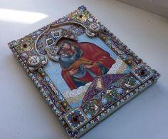 """В рамках проекта """"Новая Украинская классика"""", представляю Почаевскую икону Божьей Матери. Икона написана в 19 веке. Драгоценный оклад создан из серебра и эмали, по…"""