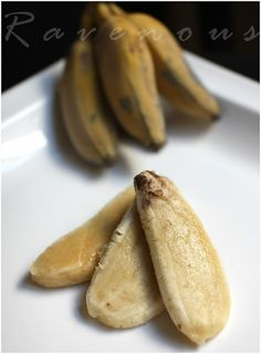 Chuoi Chien Vietnamese Fried Bananas Fried Banana Recipes, Fried Bananas, Dessert Recipes, Desserts, Fries, Food, Tailgate Desserts, Deserts, Desert Recipes