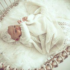 Baby blanket VIRGINIA handmade in Austria of virgin merino wool VAN BEREN Outfit For Christening, Austria, Babys, Merino Wool, Knits, Virginia, Van, Blanket, Knitting