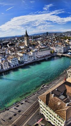 Zürich, the beautiful Limmat river and the exciting old town.