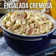 Esta rica ensalada de pechuga de pavo y queso panela es perfecta para comer algo diferente y ligero. Appetizer Recipes, Dinner Recipes, Deli Food, Cooking Recipes, Healthy Recipes, Uk Recipes, Healthy Food, Yummy Food, Tasty