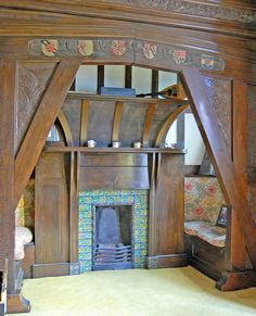 Great Inglenook fireplace -- William De Morgan tiles at Pownall Hall 'Rose Trellis' tiles in thier natural habitat, a fireplace in an Arts and Crafts house - Pownall Hall, near Manchester. Home the the chaps who ran Boddingtons brewery. Arts And Crafts Interiors, Arts And Crafts Furniture, Arts And Crafts House, Home Crafts, William Morris, Craftsman Interior, Craftsman Style, Craftsman Homes, Craftsman Decor