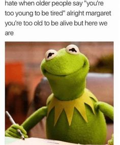 It's easy to laugh about being a Millennial with these super-relatable funny memes and quotes about what it's like to be part of Generation Y. If you were born between 1981 and see if you can relate to these funny millennial memes. 9gag Funny, Hilarious Memes, Funniest Memes, Random Funny Memes, Funny Gym, Funny School Memes, Funny Work, Funny Laugh, Funny Tweets
