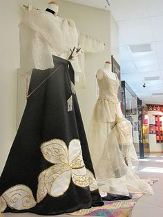 Filipiniana: the maria clara Maria Clara Dress Philippines, Philippines Dress, Philippines Fashion, Philippines Culture, Lovely Dresses, Beautiful Gowns, Beautiful Outfits, Vintage Dresses, Modern Filipiniana Gown
