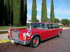 """1972 Mercedes-Benz 600 Pullman Grand Limousine. Can I make this the """"family car"""" please?"""