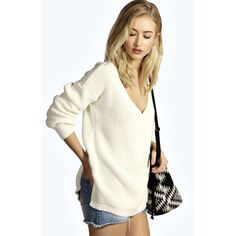 Boohoo Pamela Side Split Step Hem V Neck Jumper ($18) ❤ liked on Polyvore featuring tops, sweaters, cream, v neck sweater, nordic sweater, chunky turtleneck sweater, cream sweater e white turtleneck sweater