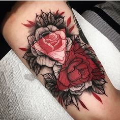 By @hungryhearttattoos #THEDARKARTISTRIES