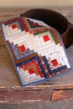 Miniature Scrappy Log Cabin Quilt (Quilting Stories)