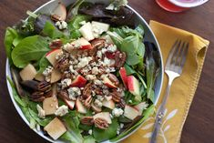 gala, gorgonzola and pecan salad