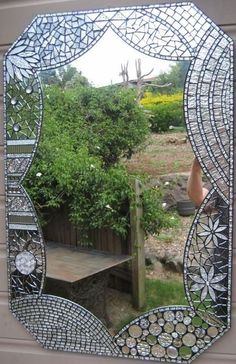 This is stunning......Wanna try. Save those broken mirror pieces for Mirror mosaics