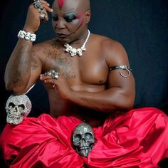 GOSSIP, GISTS, EVERYTHING UNLIMITED: Charlyboy Releases Sexy New Bald & Bold Photos