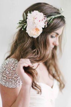 best ideas vintage wedding hairstyles half up bridal shower Flower Crown Wedding, Wedding Hair Flowers, Wedding Hair And Makeup, Wedding Veils, Flowers In Hair, Boho Wedding, Wedding Day, Flower Crowns, Hair Wedding