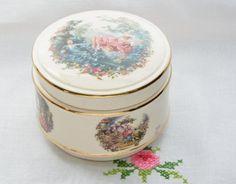 Vintage Sadler lidded trinket box