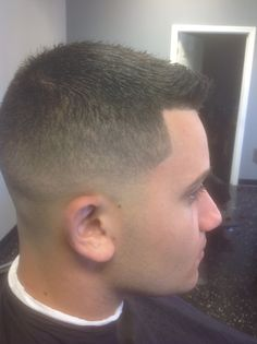 Low skin fade fade haircuts trims markglendenning