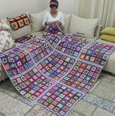 Transcendent Crochet a Solid Granny Square Ideas. Inconceivable Crochet a Solid Granny Square Ideas. Crochet Afghans, Crochet Bedspread, Crochet Quilt, Crochet Granny, Knit Crochet, Crochet Square Patterns, Crochet Squares, Crochet Blanket Patterns, Baby Blanket Crochet