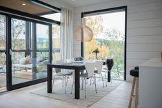 Hiili & Timantti Windows, Ramen, Window