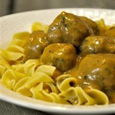Easy Swedish Meatballs - made it! Takes advantage of frozen meatballs for an easy weeknight meal. Turned out great!