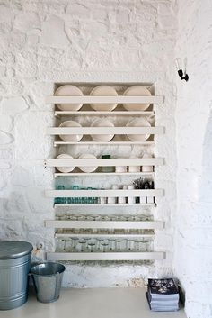 all you need are white, light and natural materials - Inaîlé