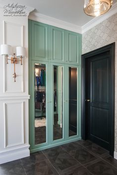miętowa garderoba, szafa z lustrem w garderobie, mint wardrobe, dressing room, interior design, storage & closets, meble na wymiar, classic style wardrobe - wykonanie Artystyczna Manufaktura