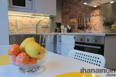 Ihanainen.com Keltaset yksityiskohdat piristävät aikaisina aamuina. #sisustussuunnittelu #tampere
