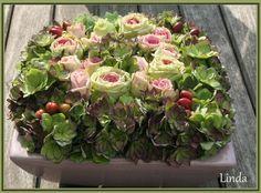 Bloemschikken met hortensia en rozen - bloemstuk maken met handleiding als online cursus www.tuinadvies.be