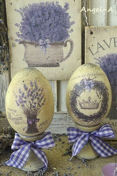 God and Country Living - God and Country Living Lavender all over… Egg Crafts, Easter Crafts, Diy And Crafts, Decoupage, Easter Art, Easter Eggs, Spring Crafts, Holiday Crafts, Egg Tree
