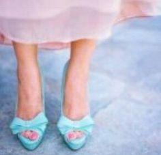 Azzurri i dettagli della mia sposa 2015 Alessandro Tosetti www.tosettisposa.it Www.alessandrotosetti.com #abitidasposa #wedding #weddingdress #tosetti #tosettisposa #nozze #bride #alessandrotosetti