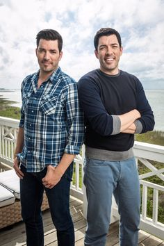 Season 5 of brother vs brother in Galvaston, TX 2017 Jonathan Scott, Scott Brothers, Two Brothers, Hgtv Property Brothers, Famous Twins, Booboo Stewart, Great Scott, The Brethren, My Guy