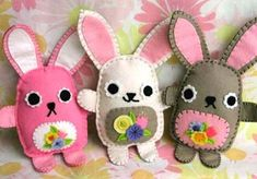 Its easter bunny cutie time Easter Crafts, Felt Crafts, Diy And Crafts, Crafts For Kids, Arts And Crafts, Spring Crafts, Holiday Crafts, Felt Bunny, Easter Bunny