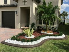 Front Yard Garden Design - Plants can form gardens on each side of the passageway. Everyone wants a lovely garden. Water gardens aren't a modern garden landscaping technique like a lot of people believe. Florida Landscaping, Tropical Landscaping, Landscaping With Rocks, Front Yard Landscaping, Landscaping Ideas, Backyard Ideas, Palm Trees Landscaping, Large Backyard, Landscaping Software