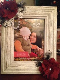 Red, black, white and pearls picture frame