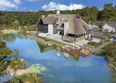 Tablazz - Droomvilla Met Zwemvijver - Hoog ■ Exclusieve woon- en tuin inspiratie.