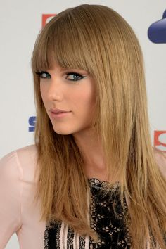 Is This Taylor Swift's Coolest Eye Makeup Look Yet?